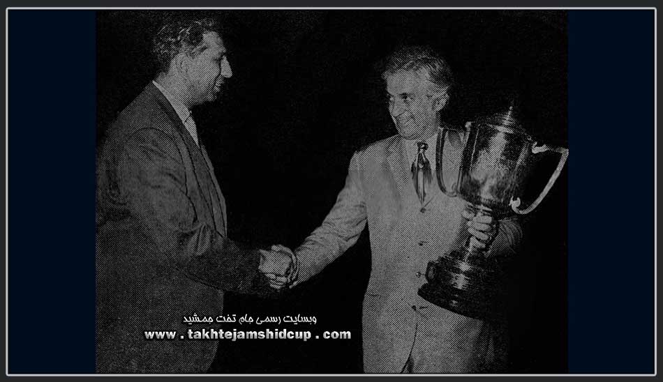 امیر علائی ریاست فدراسیون بکس ایران Asian Boxing Championship in the hands of the Boxing Federation President Amir  Alaei 1971